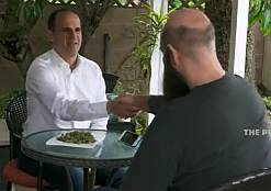 Marcus Lemonis With underground dealer on the profit